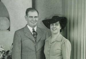 Mom'swedding1942