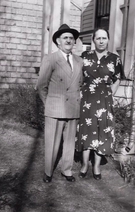 1948-David and Pauline Tomich - Mar. 28